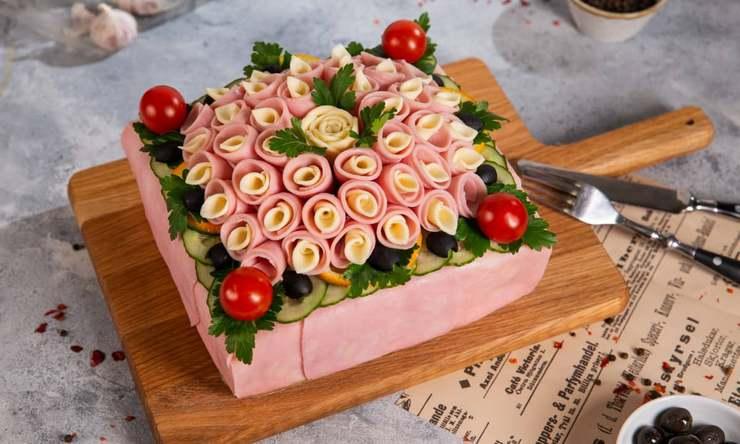 Мясной закусочный торт мужчине на день рождение