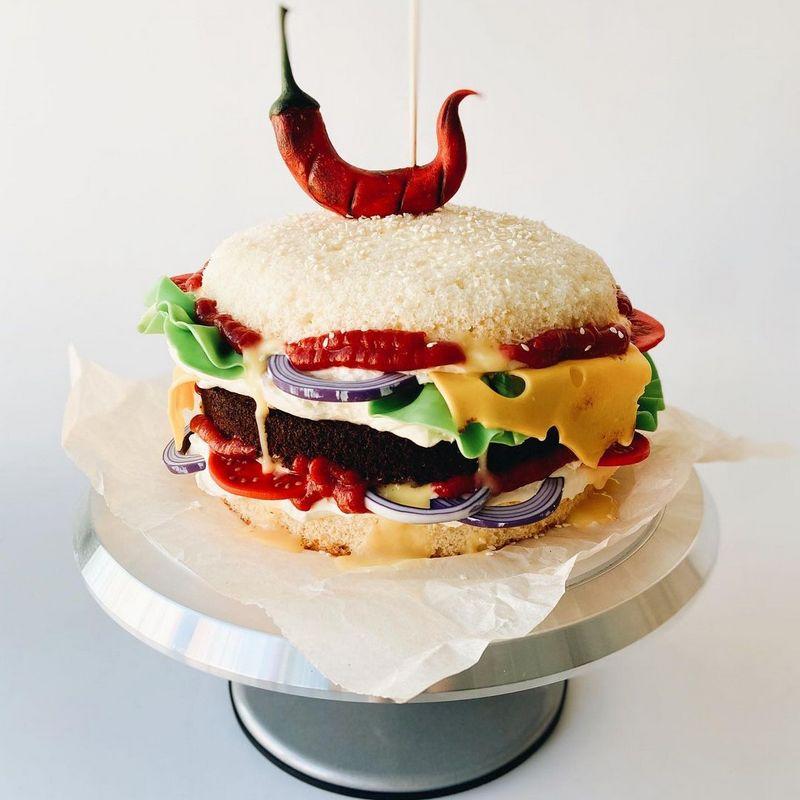 Необычный торт гамбургер для мужа друга парня мужчины на день рождения