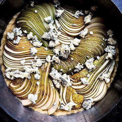 Пирог с грушей и сыром дор блю - отправляем в духовку