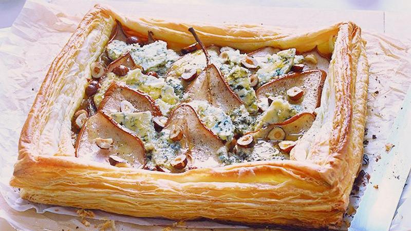Пирог с грушей и сыром