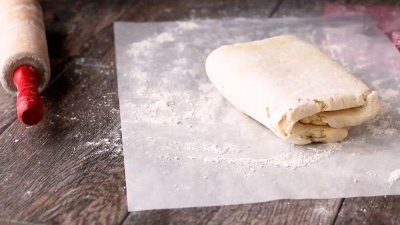 Бездрожжевое слоеное тесто для лодочек с сыром