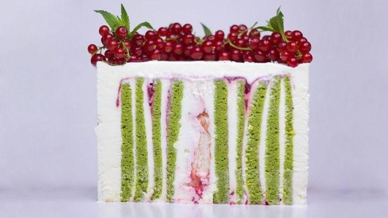 Вкусный вертикальный торт фисташка - малина с муссом