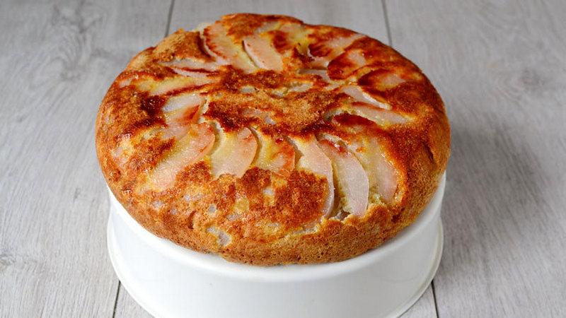 Пирог с грушами в мультиварке - 4 простых рецепта