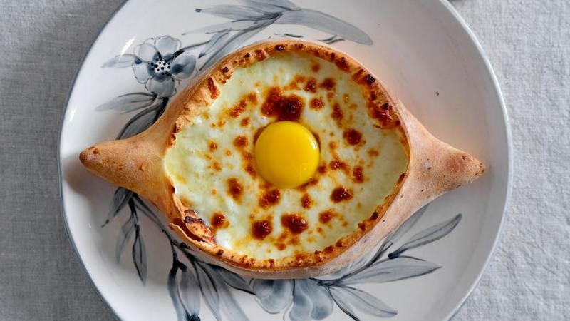 Рецепт хачапури по-аджарски с сыром в духовке