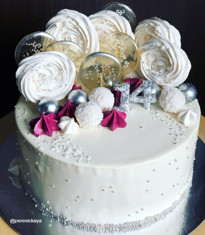 Белый торт девочке на 14 лет