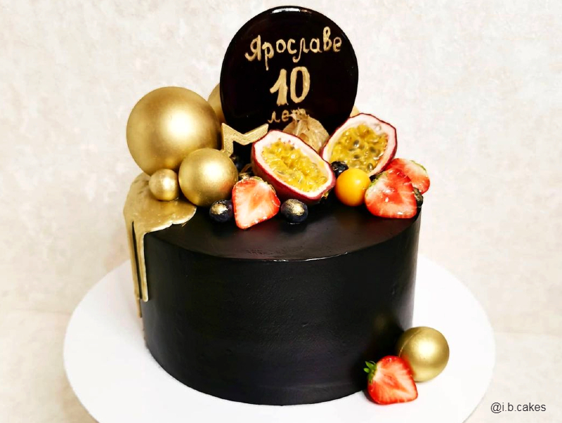 Чёрный торт девочке на 10 лет