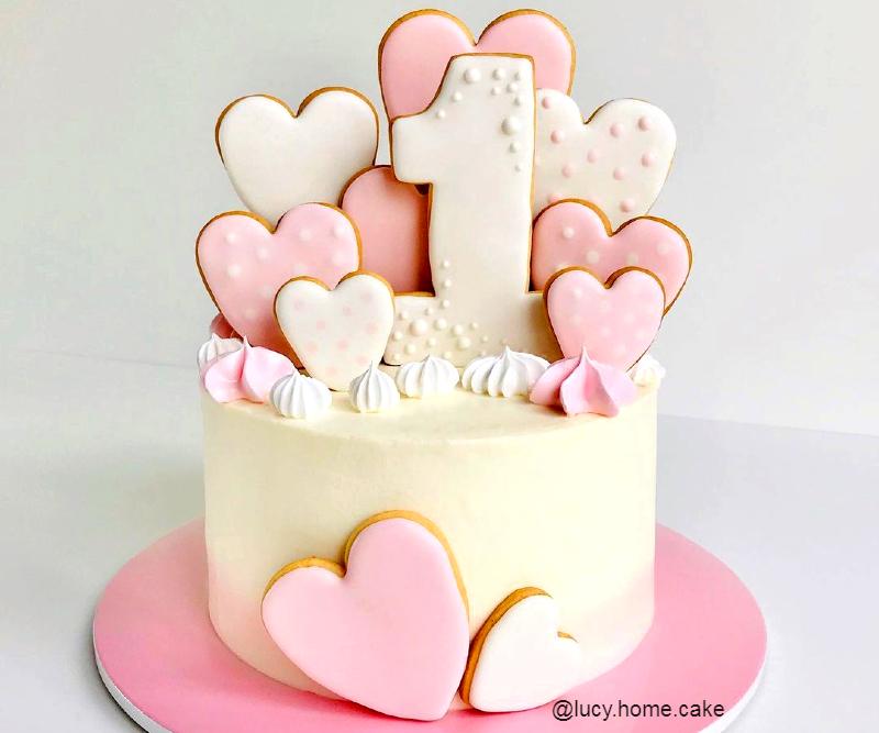 Торт девочке на год с пряниками