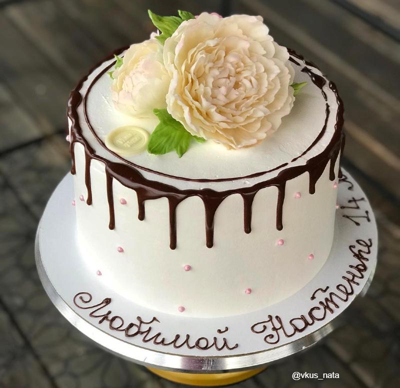Торт с шоколадными цветами девочке на день рождения
