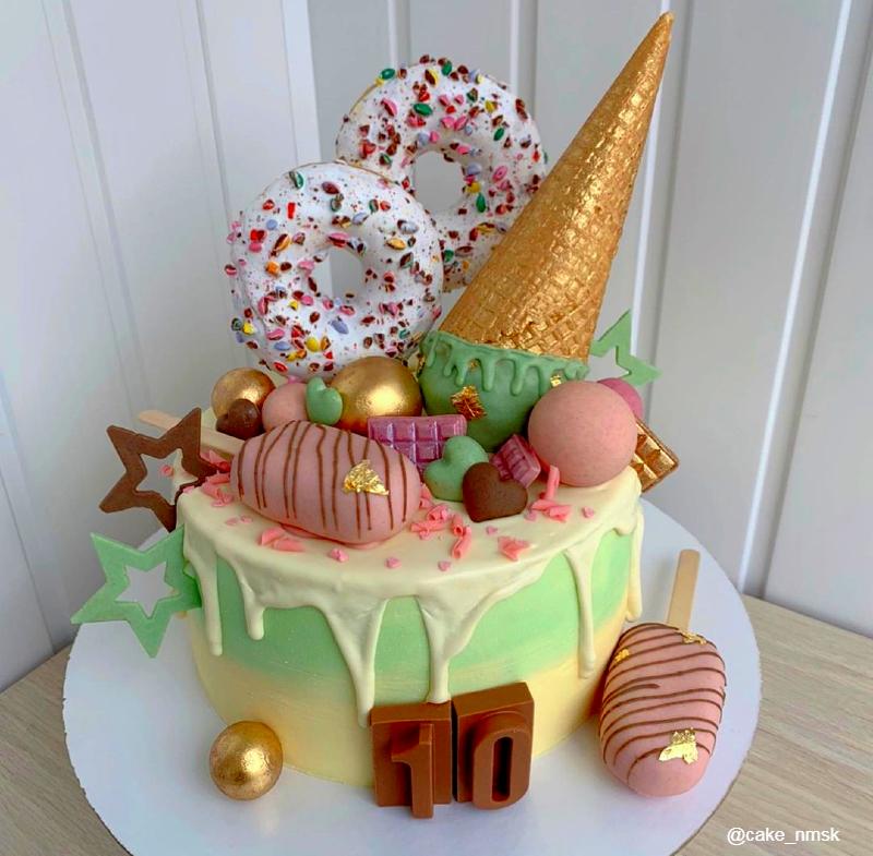 Торт с донатами, мороженым девочке на 10 лет