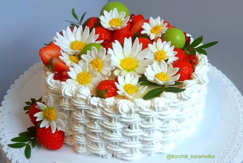 Торт с ромашками девочке на день рождения на 10 лет