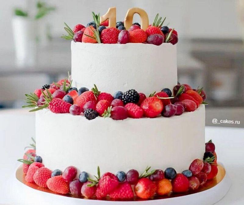 Торт двухъярусный девочке на день рождения на 10 лет с фруктами ягодами