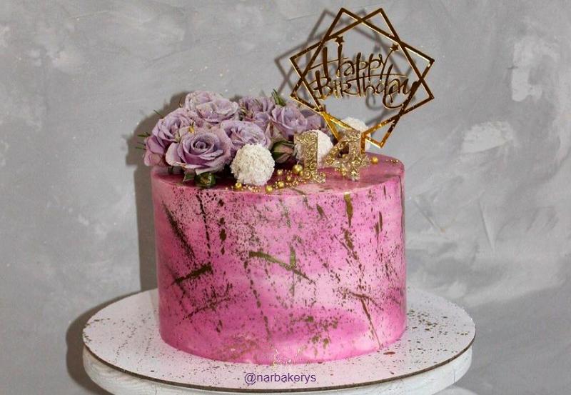 Торт с живыми цветами девочке на 14 лет