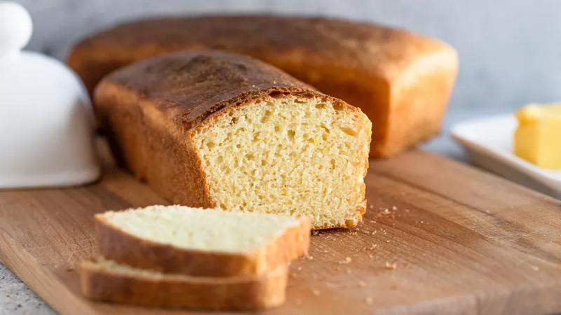 Хлеб из отварного картофеля с молоком, маслом и яйцами