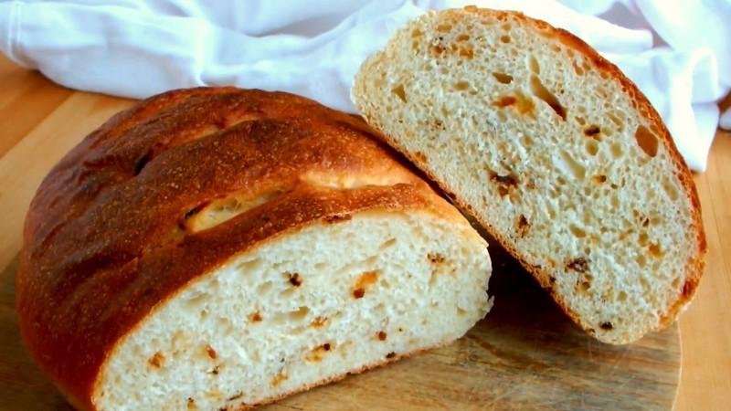 Картофельный хлеб с жаренным луком простой рецепт