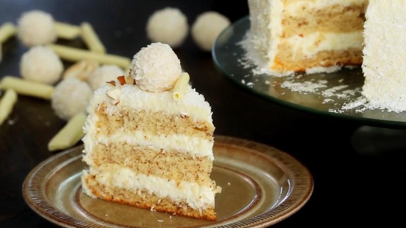 Торт Рафаэлло разрез по классическому рецепту