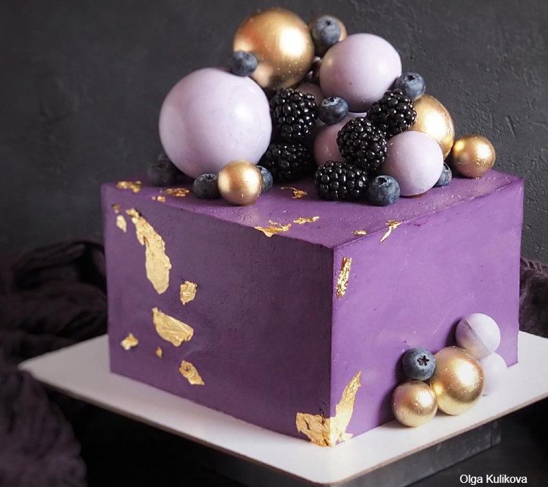 Квадратный фиолетовый торт для женщины